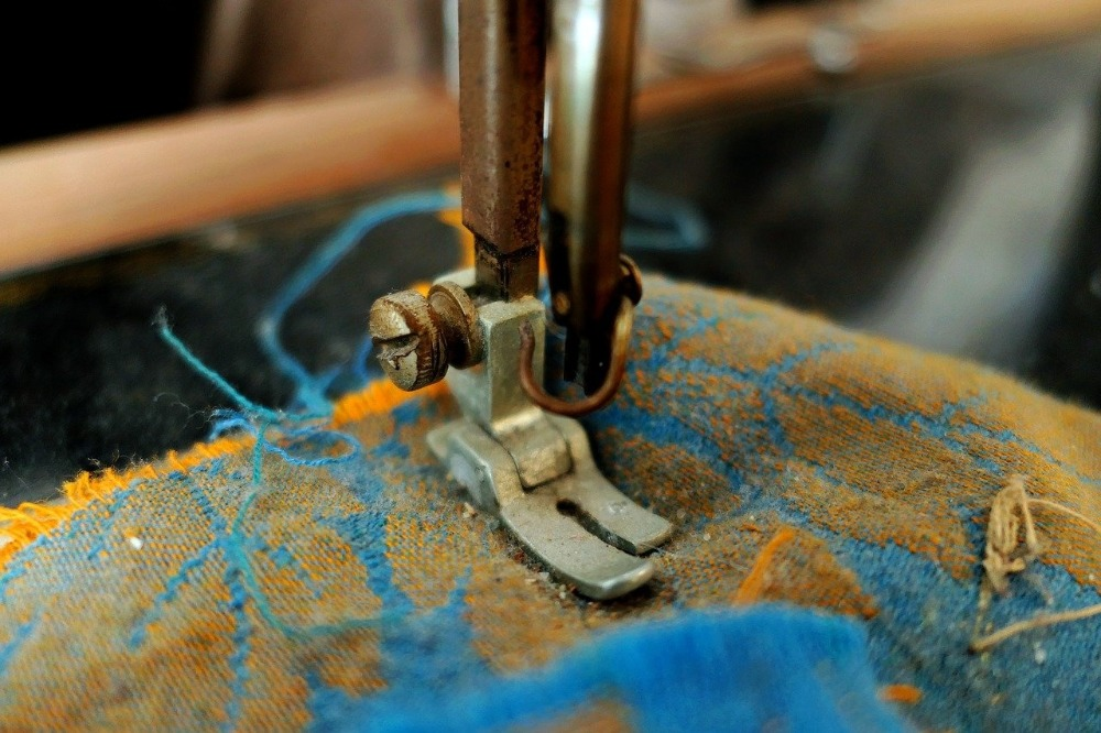 Image of the best sewing machine for heavy fabrics in use